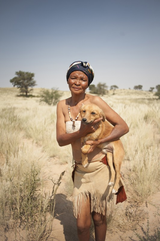 _NIG3072_KALAHARI_SAN_PEOPLE_SOUTH_AFRICA