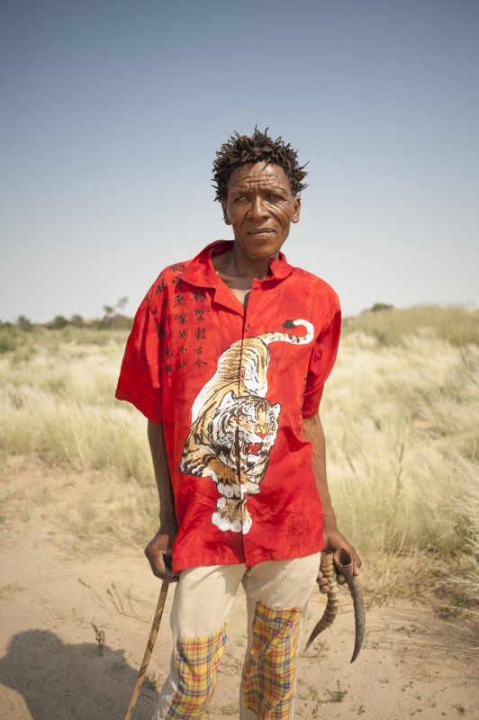 _NIG3018-2_KALAHARI_SAN_PEOPLE_SOUTH_AFRICA