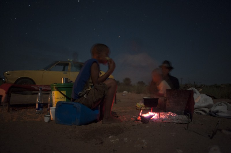_NIG2993-2_KALAHARI_SAN_PEOPLE_SOUTH_AFRICA