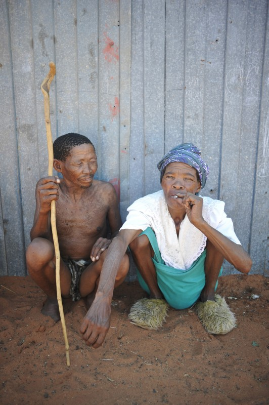 _NIG3236_KALAHARI_SAN_PEOPLE_SOUTH_AFRICA